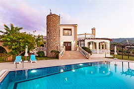 Villa Carrington - Esentepe, North Cyprus